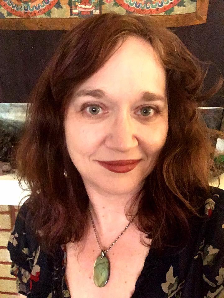 white woman, red lipstick